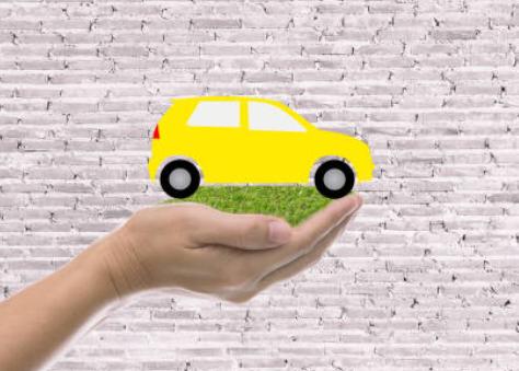 Comment assurer sa voiture sans permis?