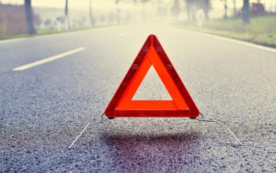Bretagne : à 8 dans une voiture sans permis, ils percutent un arbre !